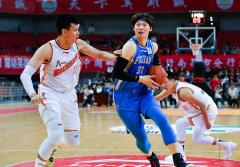 王者风范!王哲林44分生涯新高,福建盼盼豹发力赛季首胜